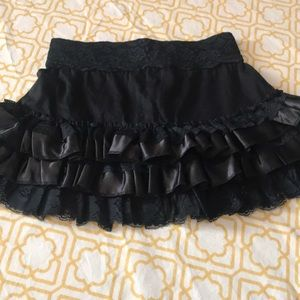 Black mini skirt with ruffles